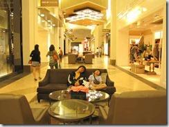 201104-27_shopping